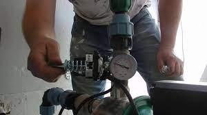 Регулирование в насосной станции давления воды